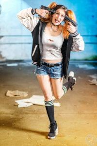 Harley Quinn with guns